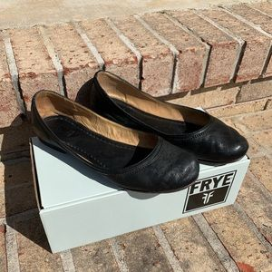 FRYE Carson Ballet leather flats women's size 8